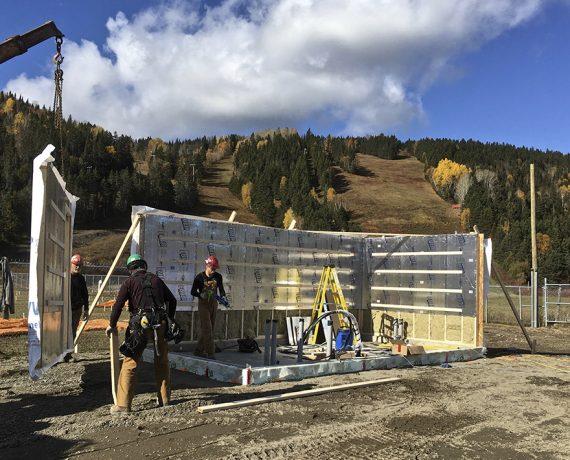 Accès et motorisation au Poma 2 du Mont-Castor